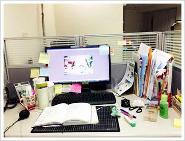 办公桌面 「乱」有创意!图片